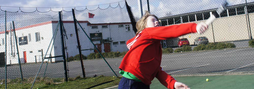 <h2>TENNIS HOLIDAY CAMPS</h2>